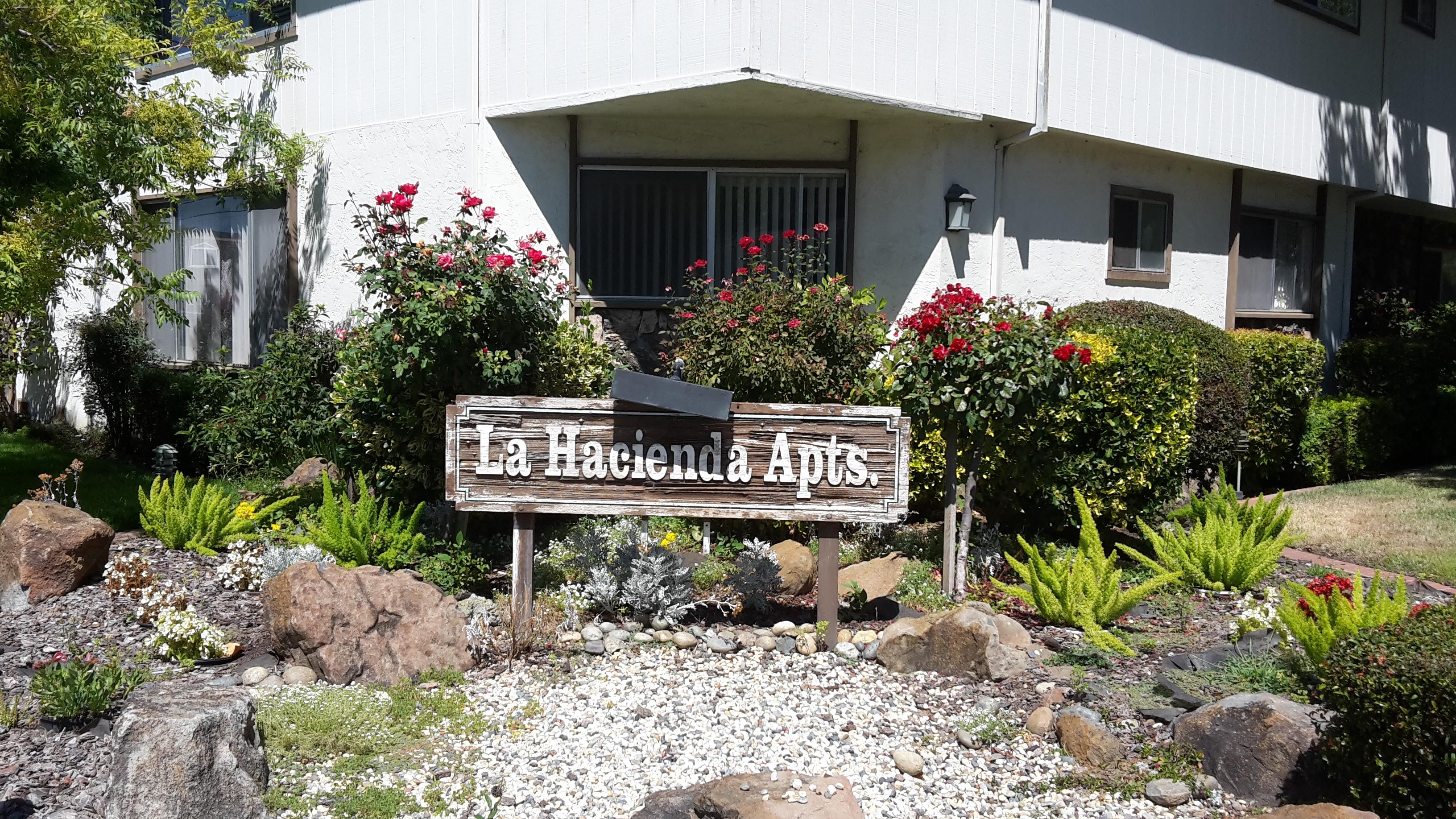 La Hacienda Apts.